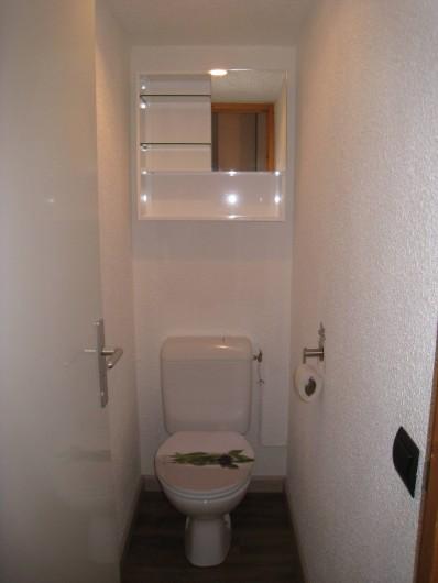 Location de vacances - Studio à La Plagne - toilettes separées