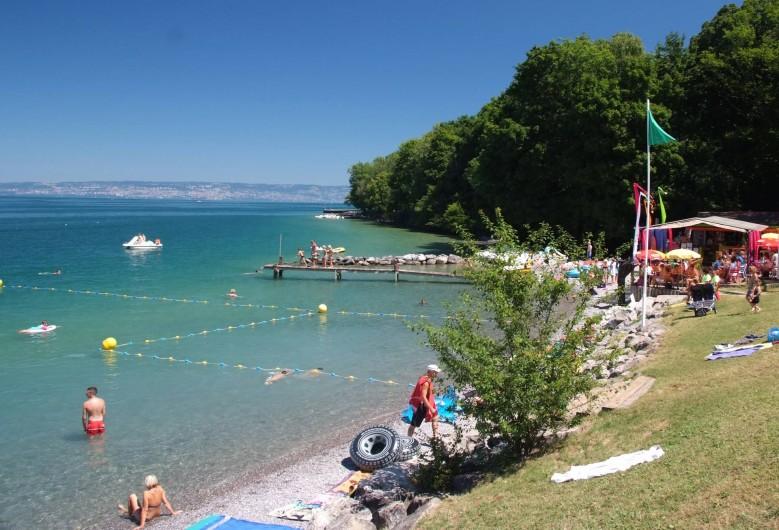 Location de vacances - Bungalow - Mobilhome à Thonon-les-Bains - Plage surveillée, labellisée pavillon bleue, à 200 m