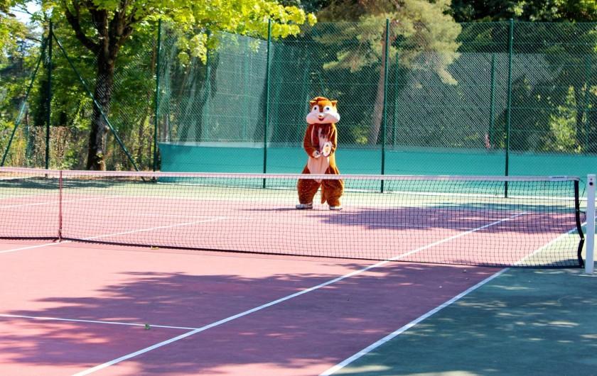 Location de vacances - Bungalow - Mobilhome à Thonon-les-Bains - Terrain de tennis