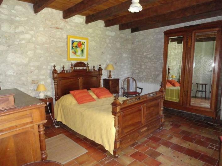 Location de vacances - Gîte à La Sauvetat-du-Dropt - La chambre du rez-de-chaussée