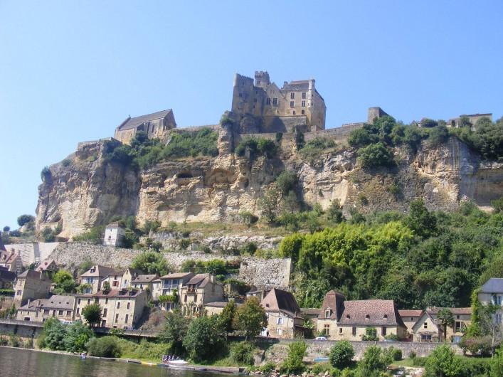 Location de vacances - Gîte à La Sauvetat-du-Dropt - Le Château de Beynac Dordogne