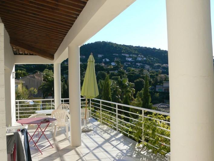 Location de vacances - Villa à Roquebrune-sur-Argens - Terrasse
