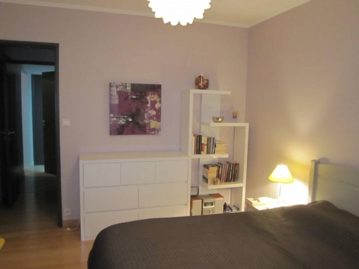 Location de vacances - Appartement à Saint-Raphaël - Chambre 1 accès au balcon