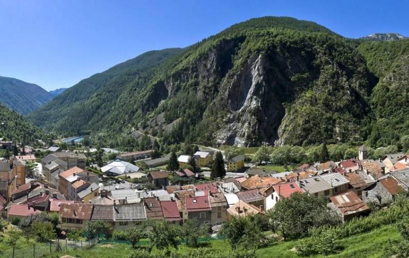 Location de vacances - Studio à Isola - Vue du village d'Isola