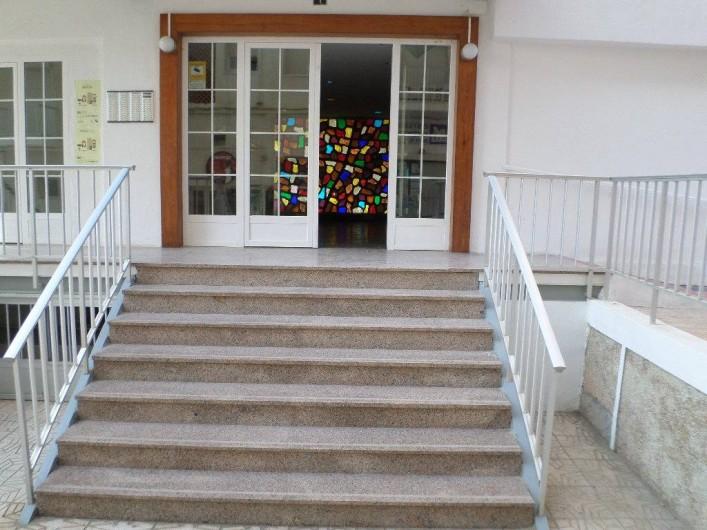 Location de vacances - Appartement à Calp - entrée de l'immeuble