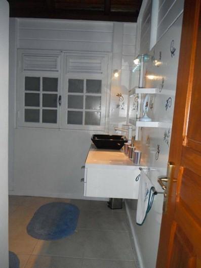 Location de vacances - Villa à Le Carbet - SALLE D'EAU AVEC WC