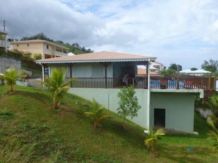 Location de vacances - Villa à Le Carbet - MAISON DE PROFIL