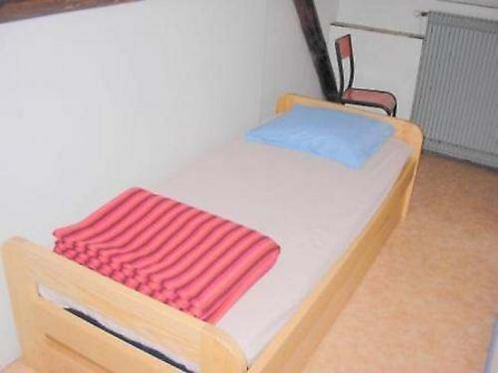 Location de vacances - Chalet à Cornimont - en chambre, vous trouverez lit, oreiller et couverture (pensez aux draps lol)