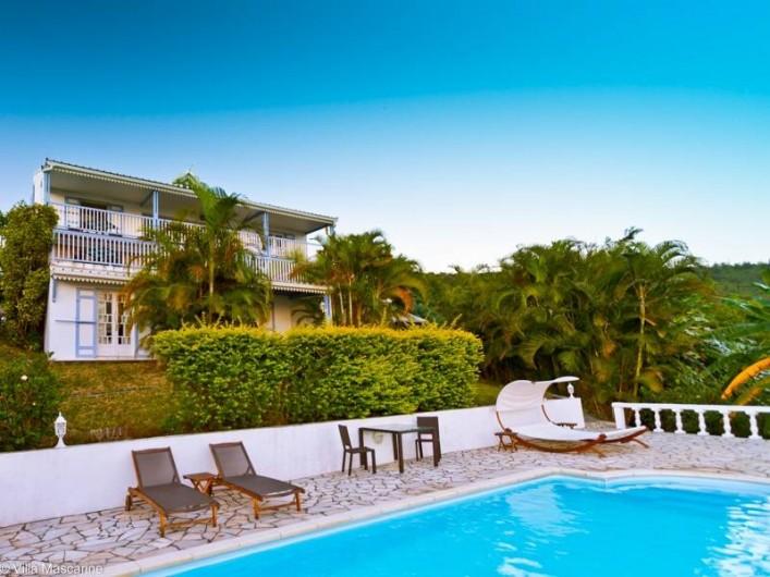 Location de vacances - Chambre d'hôtes à Saint-Leu - La Villa Mascarine depuis la plage de la piscine