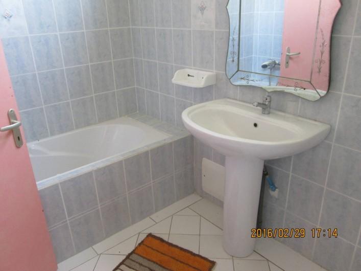 Location de vacances - Villa à Grand-Bourg - Salle de bain x 2