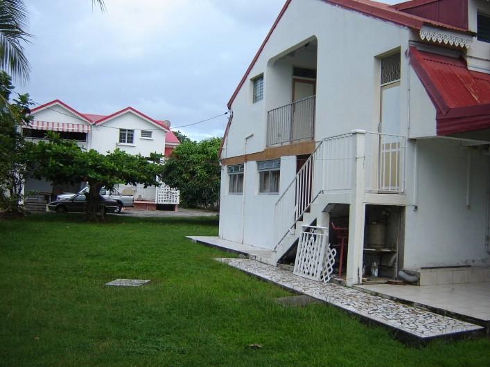 Location de vacances - Villa à Grand-Bourg - Locaverdé( côté cour)