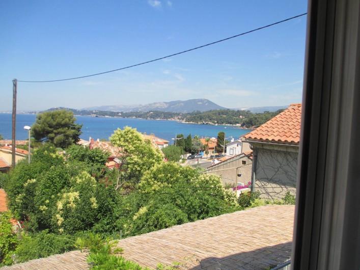Location de vacances - Maison - Villa à Le Pradet - Vue mer, à quelques mètres des plages