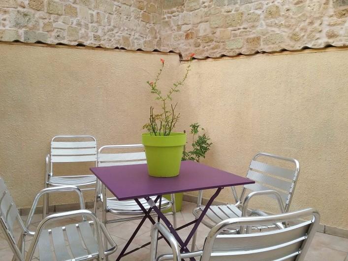 Location de vacances - Maison - Villa à Puisserguier - Terrasse attenante à la grande chambre 1