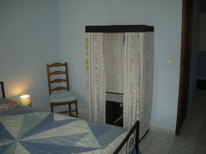 Location de vacances - Studio à Roquefort-la-Bédoule - Chambre suite