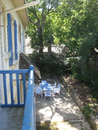 Location de vacances - Villa à Arcachon - Vue sur terrasse
