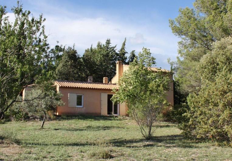 Location de vacances - Villa à Cucuron - Extérieur