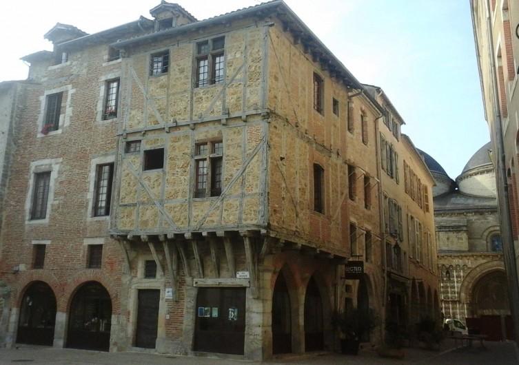 Location de vacances - Appartement à Cahors - La plus vieille maison de Cahors