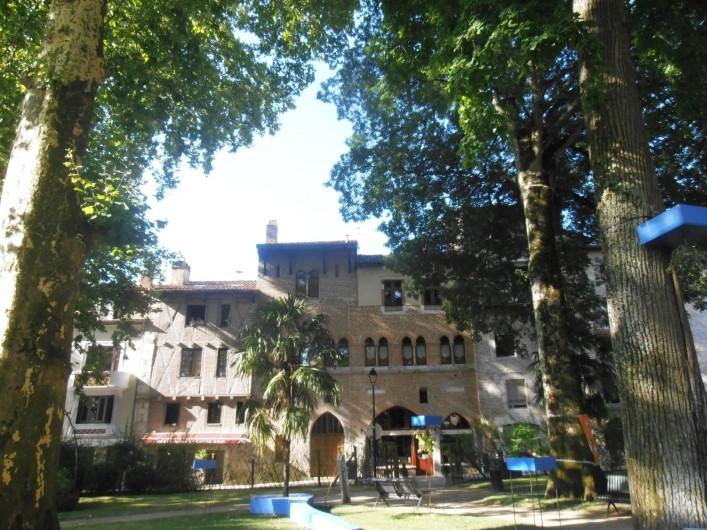 Location de vacances - Appartement à Cahors - Place près de la Cathédrale de Cahors