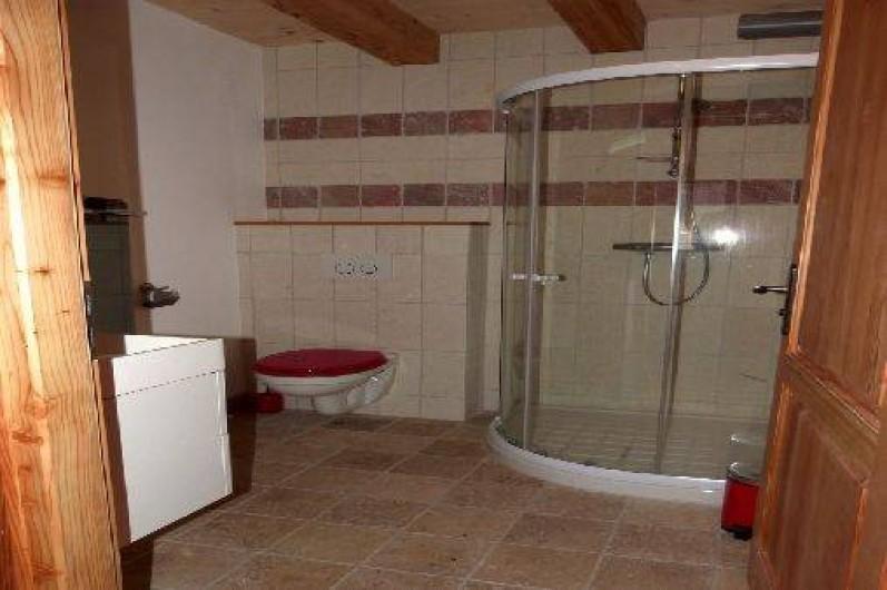 Location de vacances - Appartement à Saint-Chaffrey - La salle de bain de la chambre à 2 lits simples