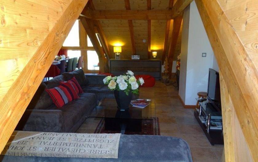 Location de vacances - Appartement à Saint-Chaffrey - Pièce de vie côté  salon