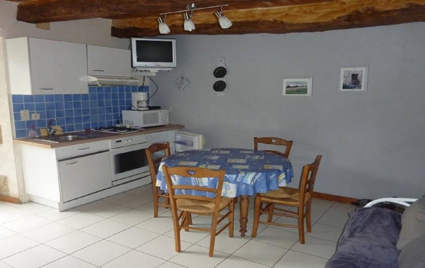 Location de vacances - Gîte à Pléven - Cuisine-séjour