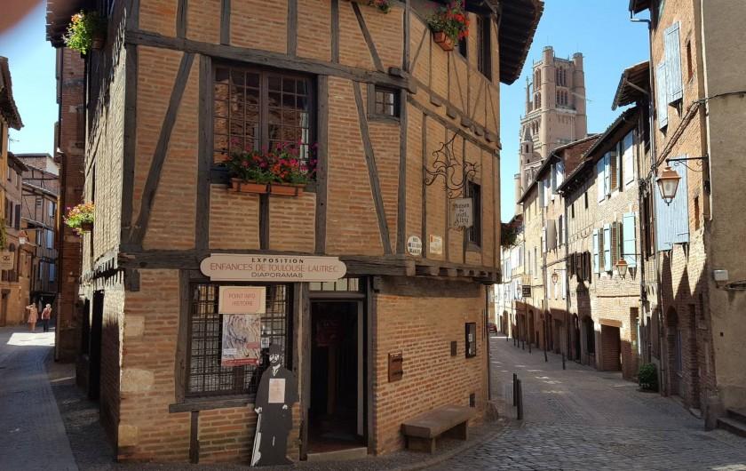Location de vacances - Appartement à Albi - quartier du Castelnau typique période médiévale
