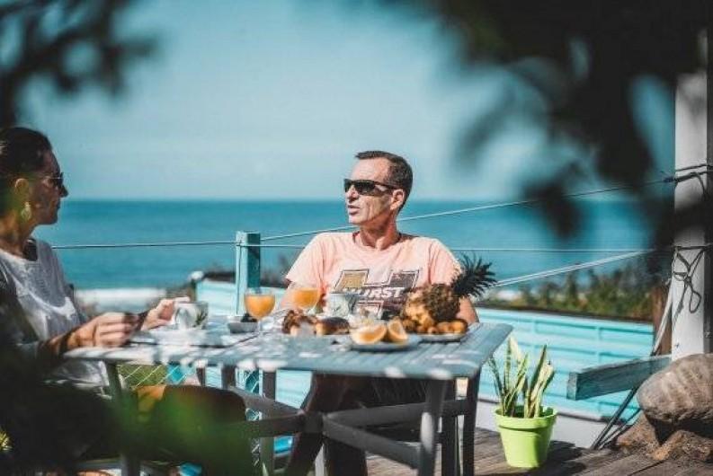 Location de vacances - Studio à Saint-Leu - p'tit déj' face à la mer