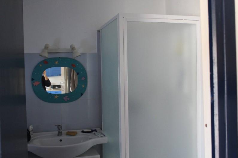 Location de vacances - Maison - Villa à Lacanau - salle d'eau
