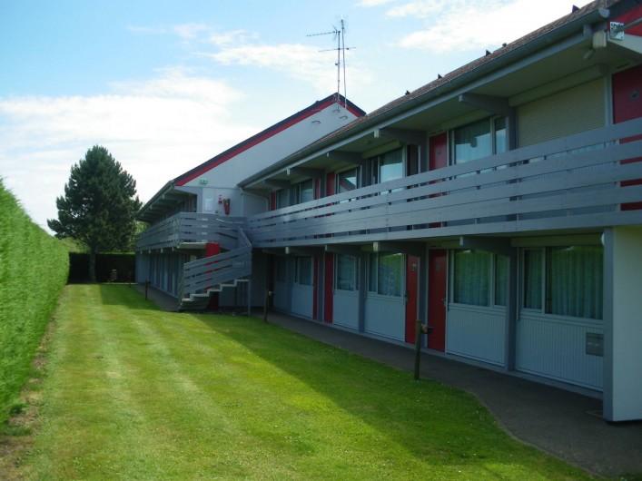 Location de vacances - Hôtel - Auberge à Saint-Aubin-sur-Scie - l'arrière de l'hôtel