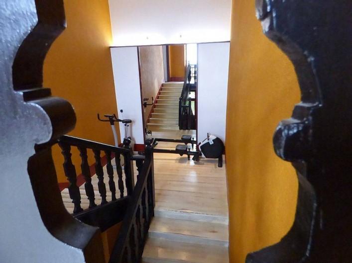 Location de vacances - Gîte à Carcassonne - escalier 1