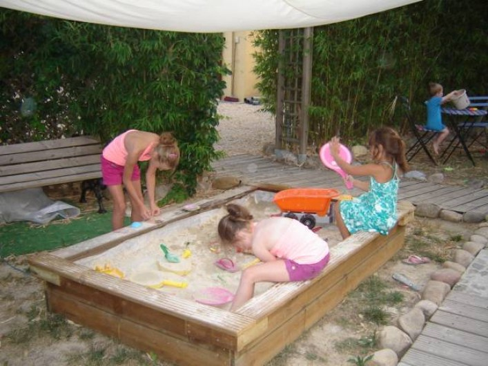 Location de vacances - Villa à Saint-Julien-de-Cassagnas - Le bac à sable