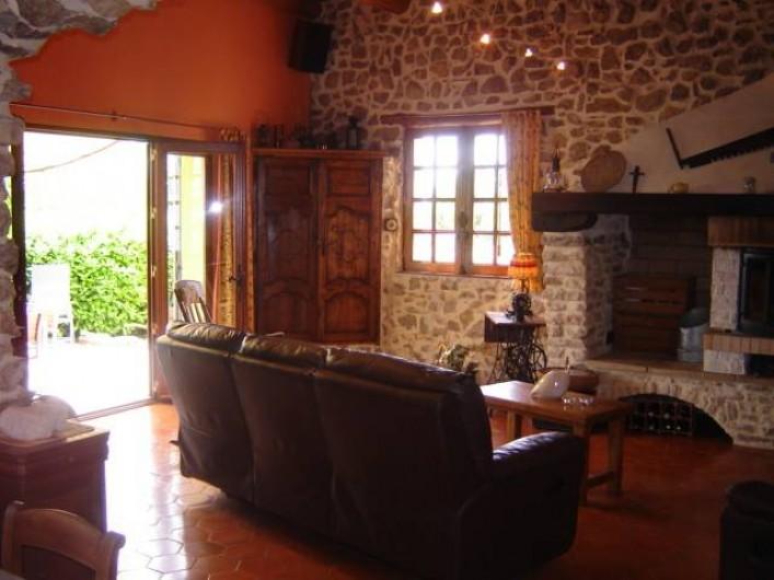 Location de vacances - Villa à Saint-Julien-de-Cassagnas - Le salon