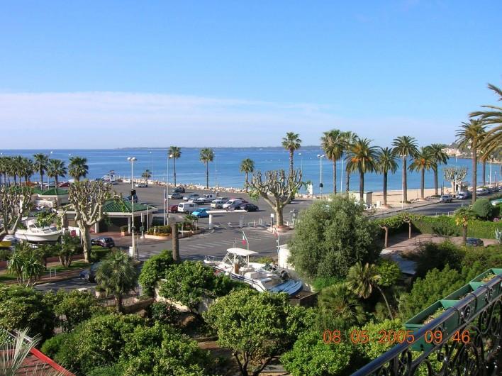 Location de vacances - Appartement à Vallauris - vue du balcon