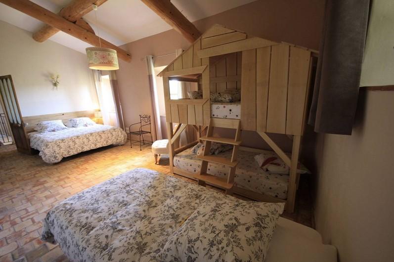 Location de vacances - Mas à Grillon - Autres chambre avec lit superposé en forme de cabane