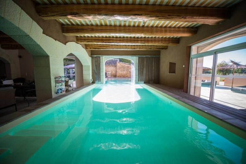 Location de vacances - Mas à Grillon - Piscine intérieur/extérieur chauffée
