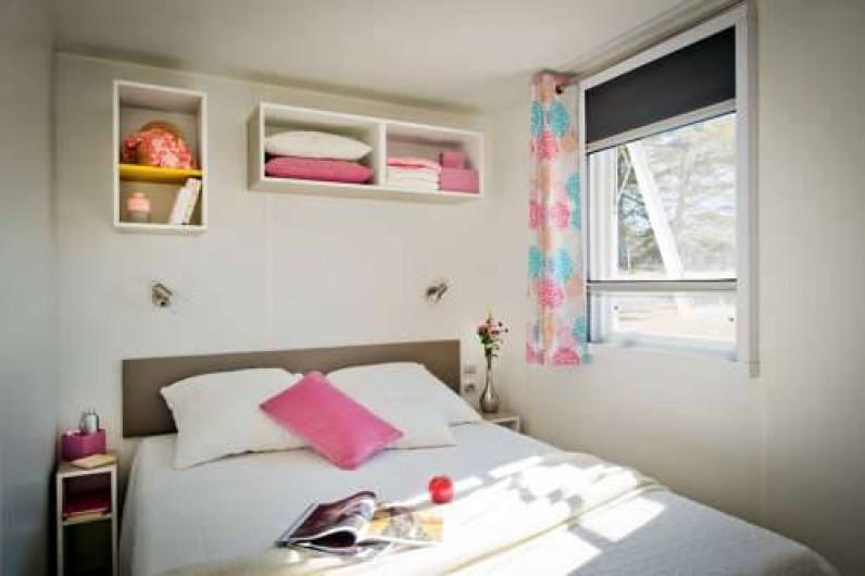 Location de vacances - Camping à Lyons-la-Forêt - Mobile-home Loggia -Chambre