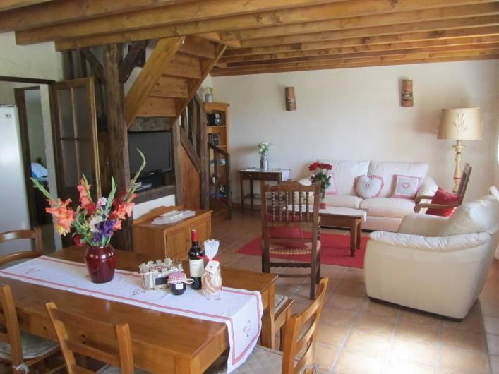 Location de vacances - Gîte à Saint-Laurent-des-Hommes - Vue du Salon