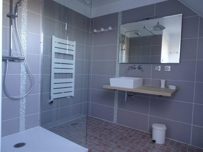 Location de vacances - Villa à Le Palais - salle de bains étage