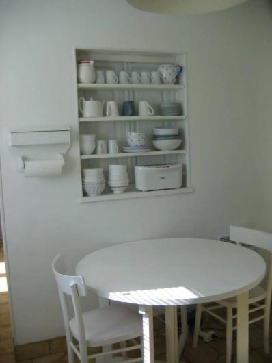 Location de vacances - Villa à Le Palais - petit déjeuner dans la cuisine