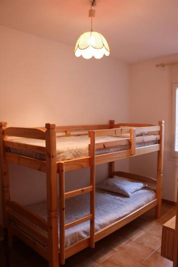 Location de vacances - Appartement à Llançà - Chambre avec lits superposés