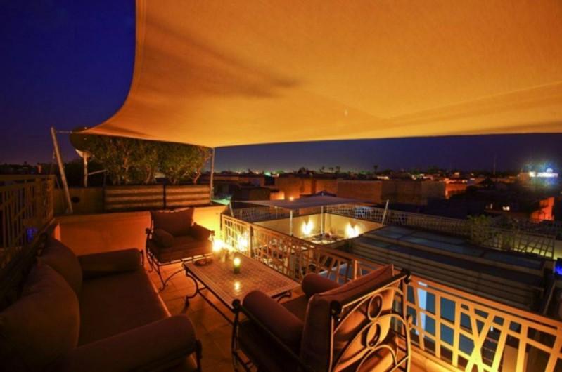 Location de vacances - Riad à Marrakech - Belvédère avec vue sur l'Atlas
