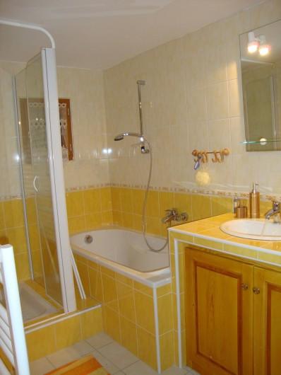 Location de vacances - Maison - Villa à Saugues - Salle de bain RDC