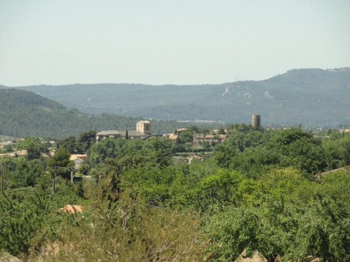 Location de vacances - Gîte à Cucuron - Vue sur Cucuron