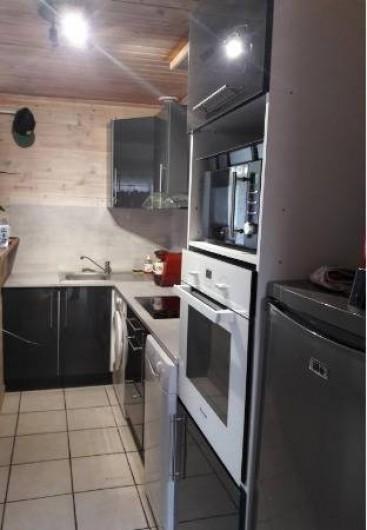 Location de vacances - Villa à Saint-Michel-Escalus - une  cuisine à l'américaine toute neuve. lave vaisselle, lave linge