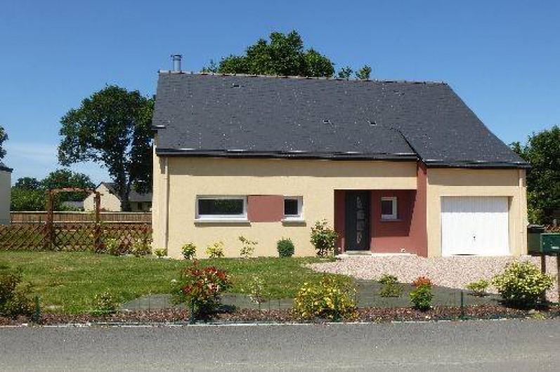 Location de vacances - Villa à Saint-Briac-sur-Mer - Entrée du gîte (cour et parking)