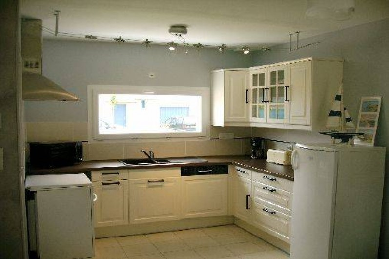 Location de vacances - Villa à Saint-Briac-sur-Mer - La cuisine toute équipée