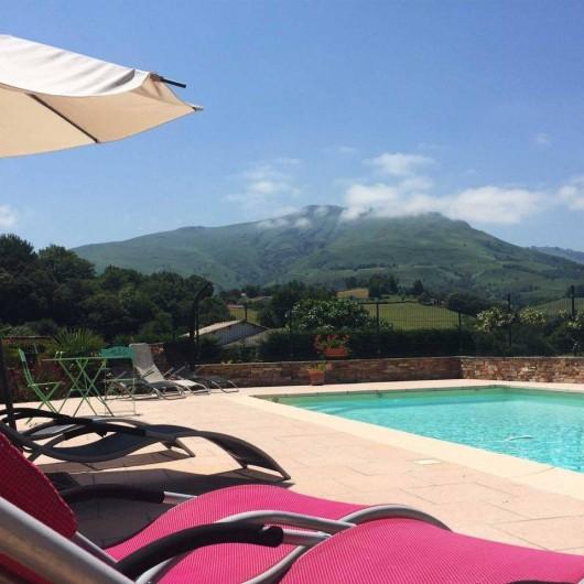 location de vacances gte iroulguy piscine