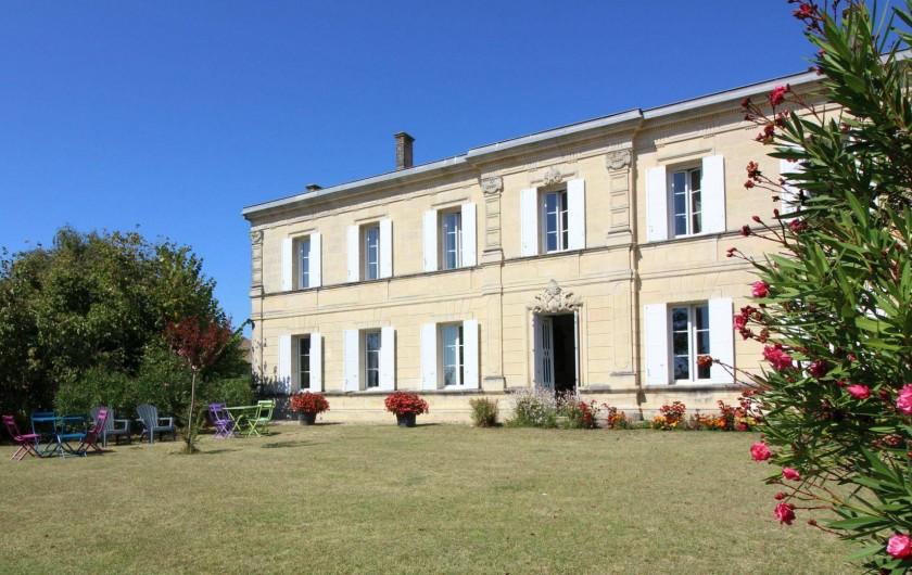 Location de vacances - Chambre d'hôtes à Cubnezais - La Maison et son jardin