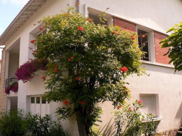 Location de vacances - Appartement à Arès - Une vue de la maison