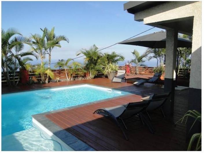 Location de vacances - Villa à Piton Saint-Leu - piscine vue depuis la chambre parentale